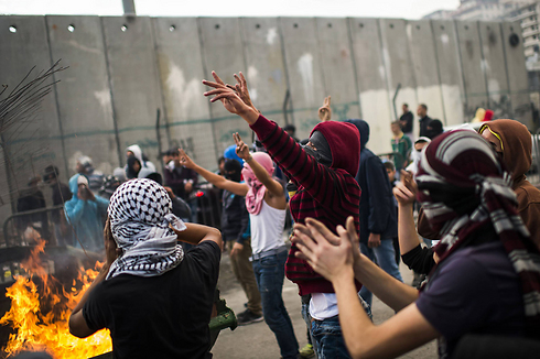 Palestinians riot in Shuafat (Photo: Getty Images)
