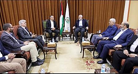 en una reunión con figuras importantes de Hamás (sitio web de Hamás, 25 de septiembre de 2017)